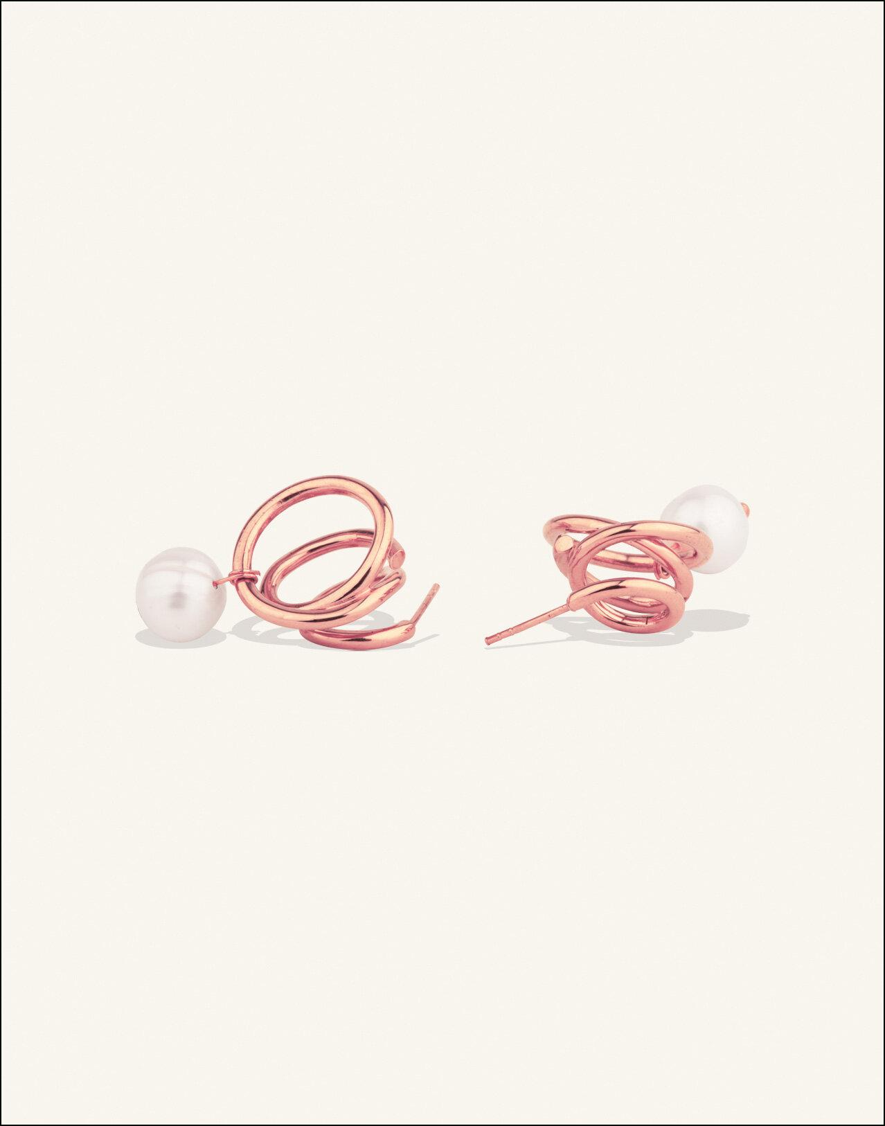 Completedworks-ROSE-GOLD-VERMEIL-Flow-Earrings-Pearl-4.jpg