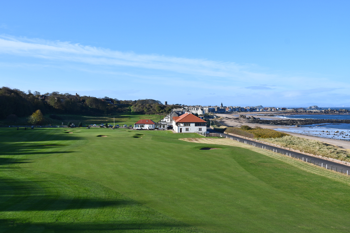A golfing destination.....     Member's Online Booking  Visitor Tee Time Booking