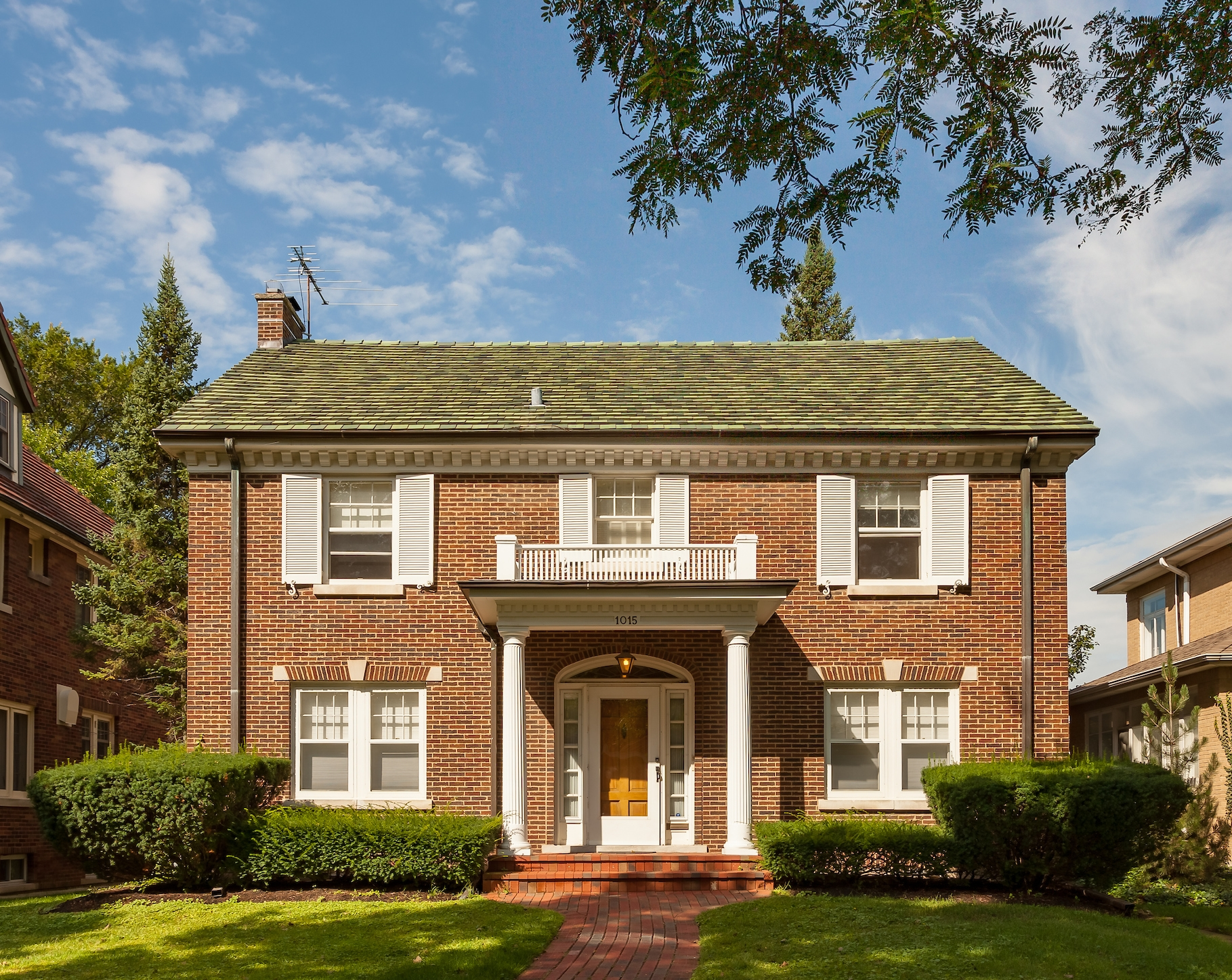 Oak Park Single Family - Construction Cost: $22,000Construction Time: 3 WeeksList Price: $579,900Market Time: 25 days