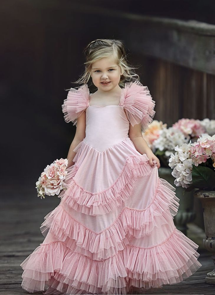 I also have this dress available in size 5 & 7 for anyone who would like to use it.Sweetly in the Trees by Dollcake. -