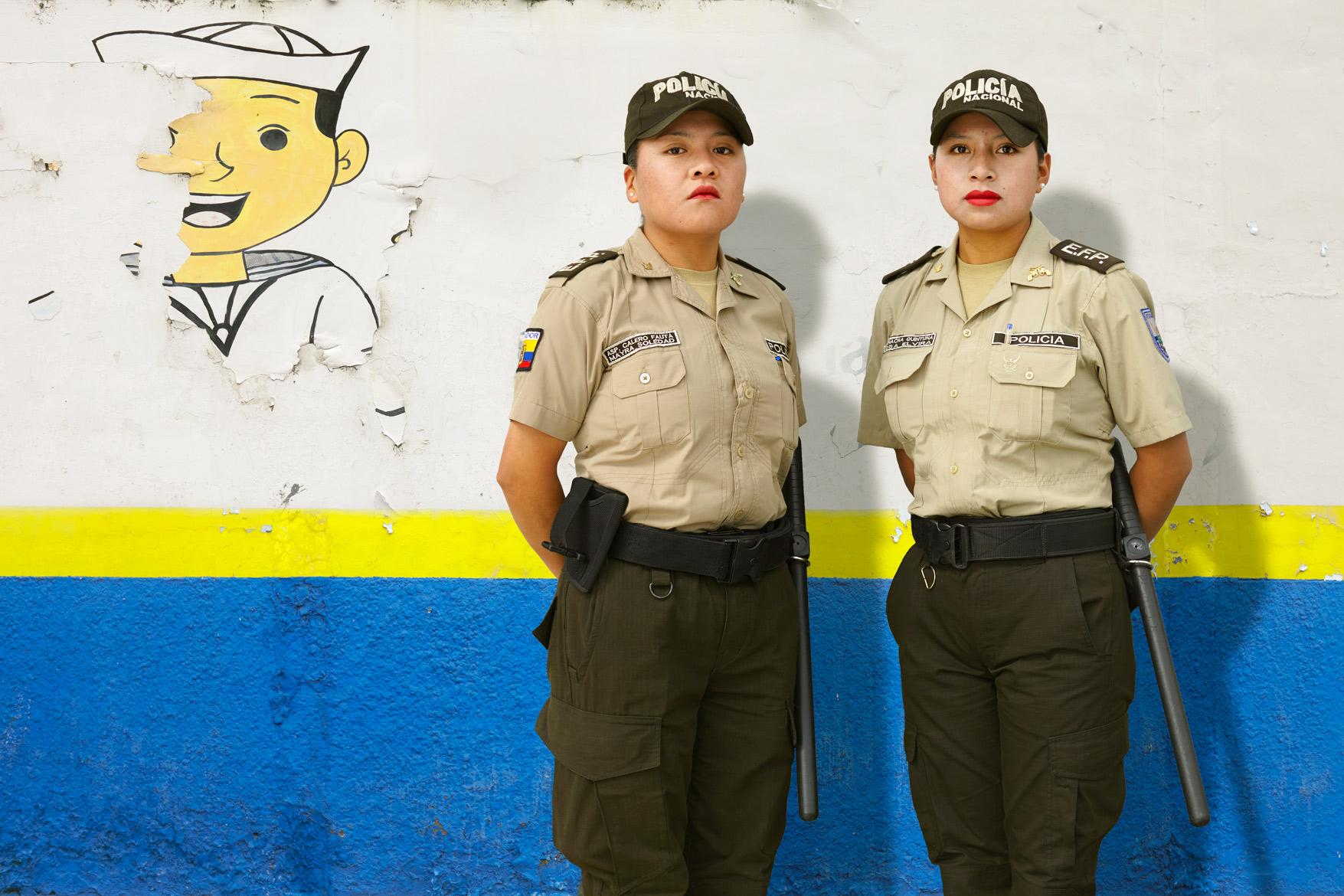 Police Women / Ecuador