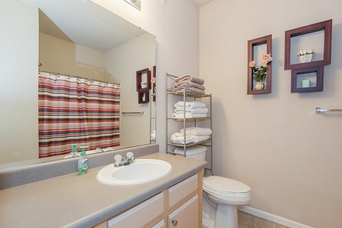 kirkwood_bathroom.jpg