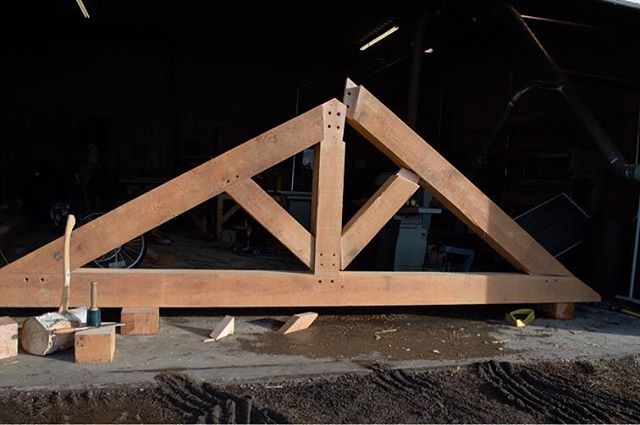 Fall is winding up. Time to put back on the tool belt. Cutting and fitting this timber frame truss today. Nothing pleases me more then joining wood with wood. One of a few for @bengelcustomhomes