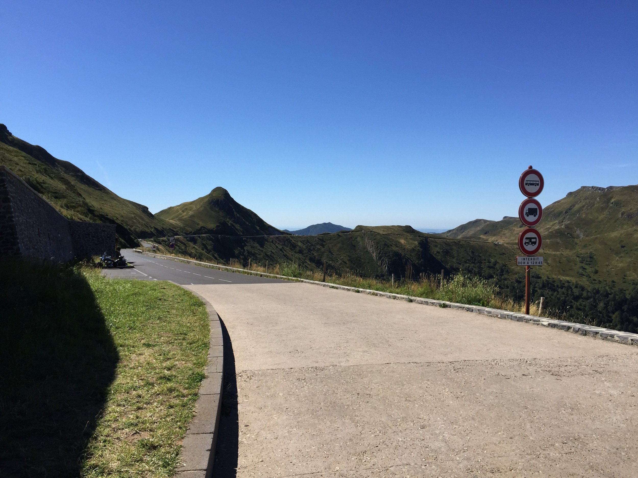 road Puy Mary other side.jpg
