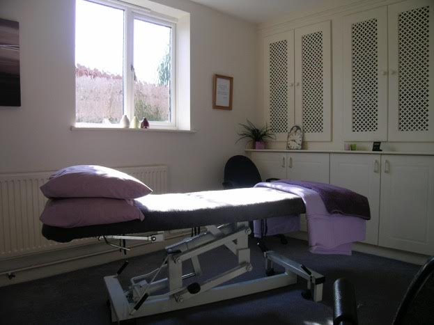 Stourbridge-Clinic-Luxurious-Treatment-Room-for-Rent.jpg