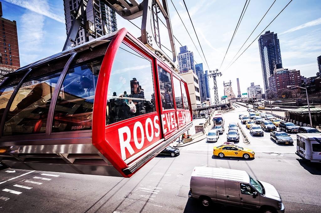 Roosevelt Island Tramway. Photo:  @lucascompan