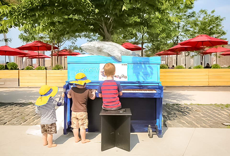 kids have plenty of outdoor spaces and things to do at the gantry plaza state park in long island city. super cute images credit:  Shira Kronzon