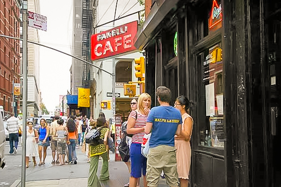 food-drink-tours-in-new-york-fanellis-4.jpg