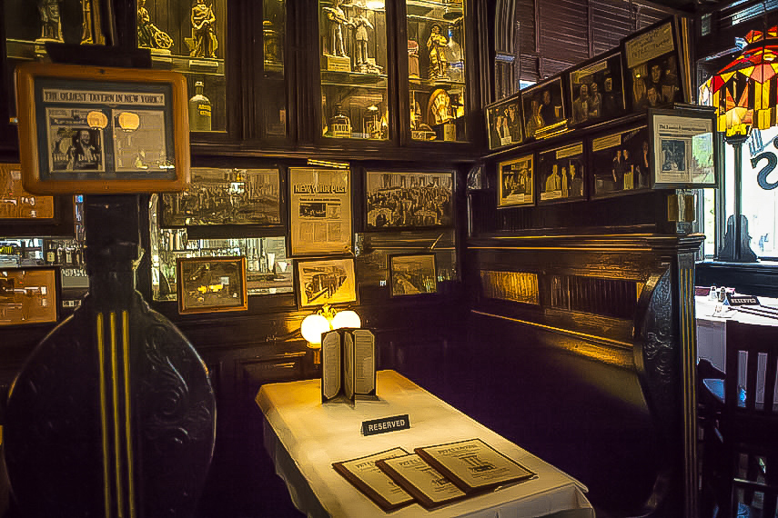 At his booth, you can see photos and newspaper stories about him. Many famous people have been to this place, including  James Dean ,  Natalie Portman ,  John Leguizamo , among others.