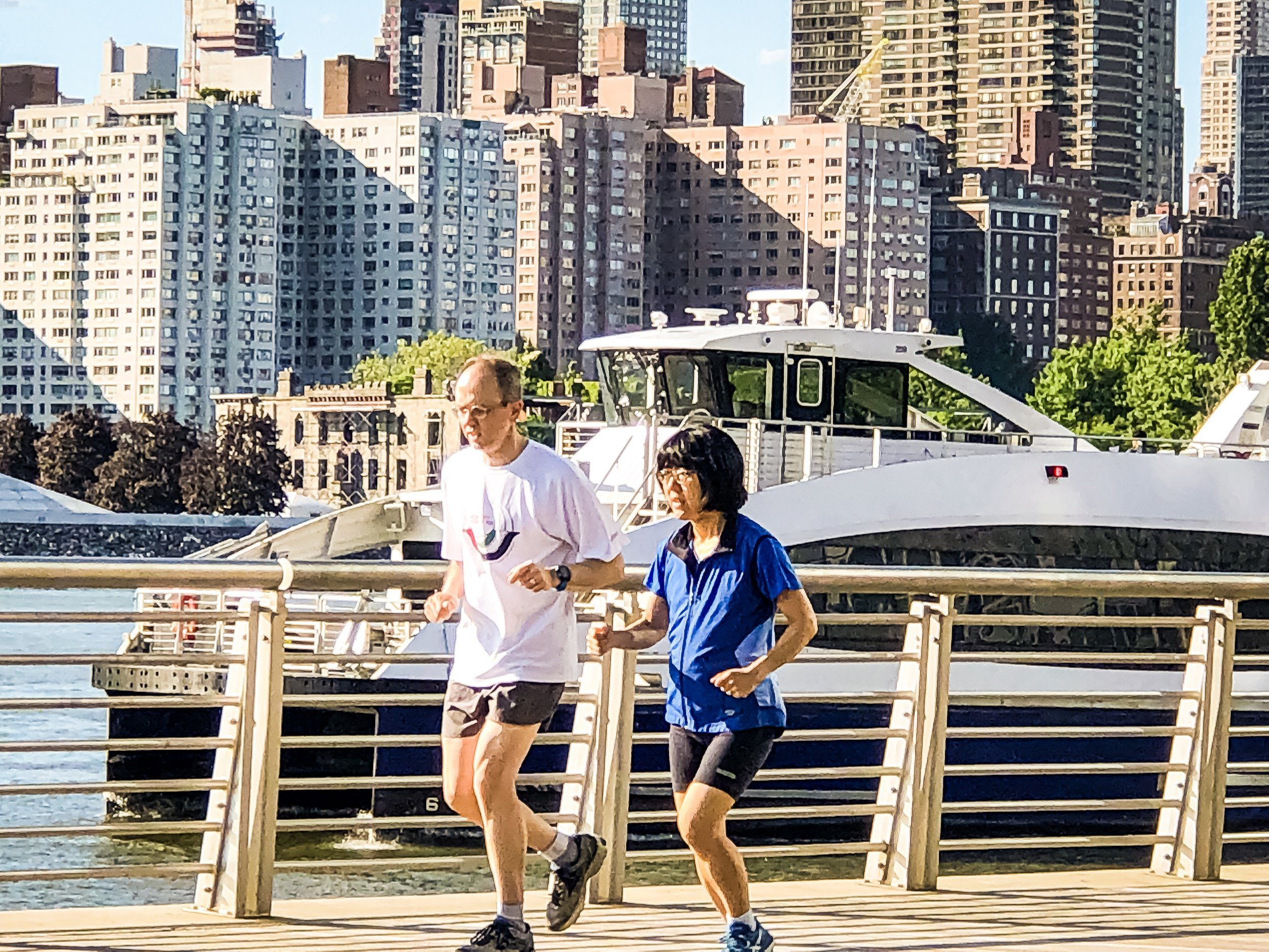 jogging with a view in gantry plaza state park, long island city, queens, new york. photo  @lucascompan