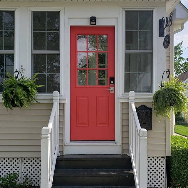 A girl can change her mind right?? Swipe ➡️ to see the before! This color makes me so happy when I walk up to the house 😍 Things have been really busy at work so this little refresh was all I had time for but accomplished everything I wanted ♥️. Color is Benjamin Moore Red Tricycle. . . . #frontporch #frontdoor #redfrontdoor #benjaminmoorepaint #homeowners #mortgagelender #michiganrealestate #plymouthmi #downtownplymouth  #showusyourhygge #showmeyourboho #hangingferns #springporch #springcolors #diy #diyprojects #detroithomes #plymouthrealestate #plymouthhomes #summervibes #realestate #homeowners #homeprojects #homefinancing #homeobsessed #redflashesofdelight #outdoorplants #hangingplants #midwesthomes #midwestliving