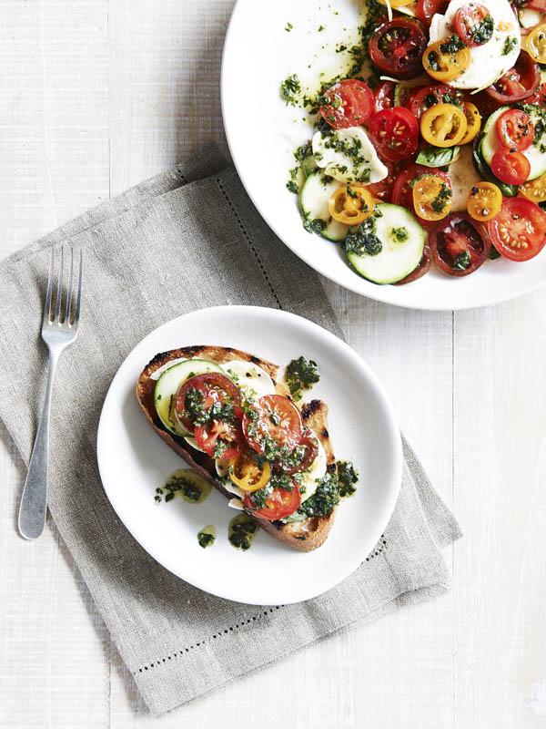 SaladQueen2 TomatoSalad end - Salada de tomate, abobrinha, buffalo mozzarella e pesto
