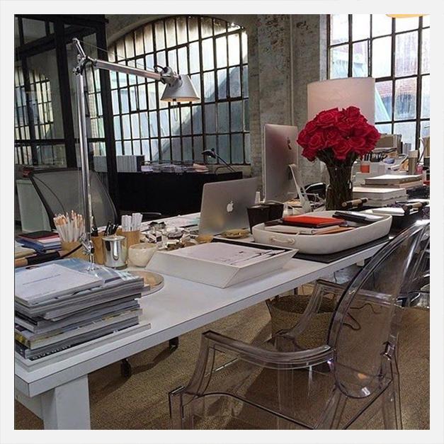 fi the intern - Office decor de um e-commerce de moda