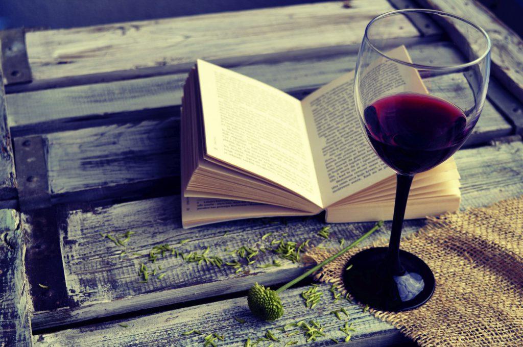 book wine dock xl 1024x680 - lolla book club: 5 livros pra ler nas férias