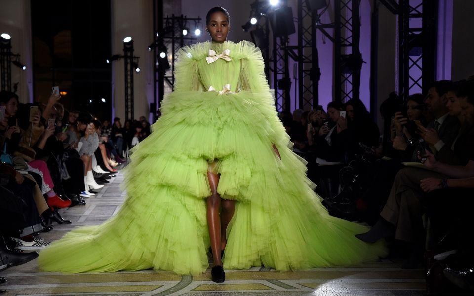 24131123 000 xi40r.f09d2090751.original c24174510 960x600 - Como a Haute Couture se mantem no mundo da fast fashions?