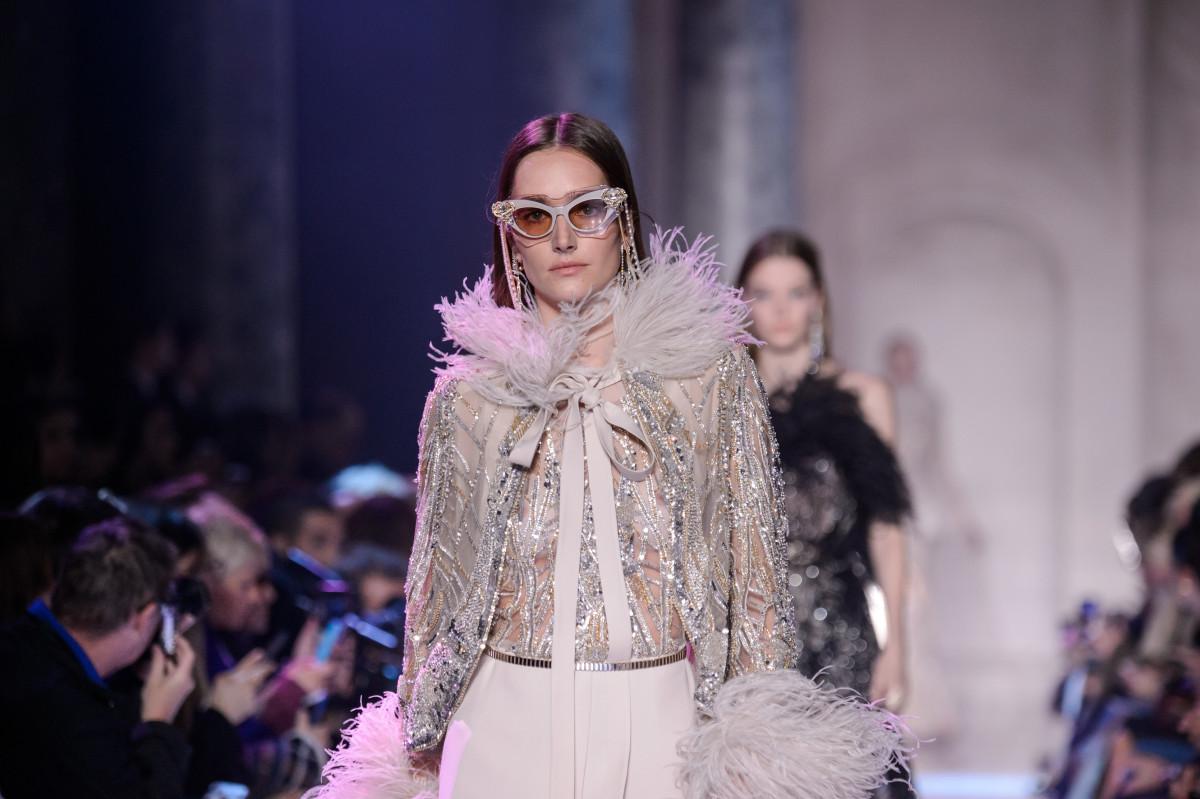 elie saab hc rs18 0555 - Como a Haute Couture se mantem no mundo da fast fashions?