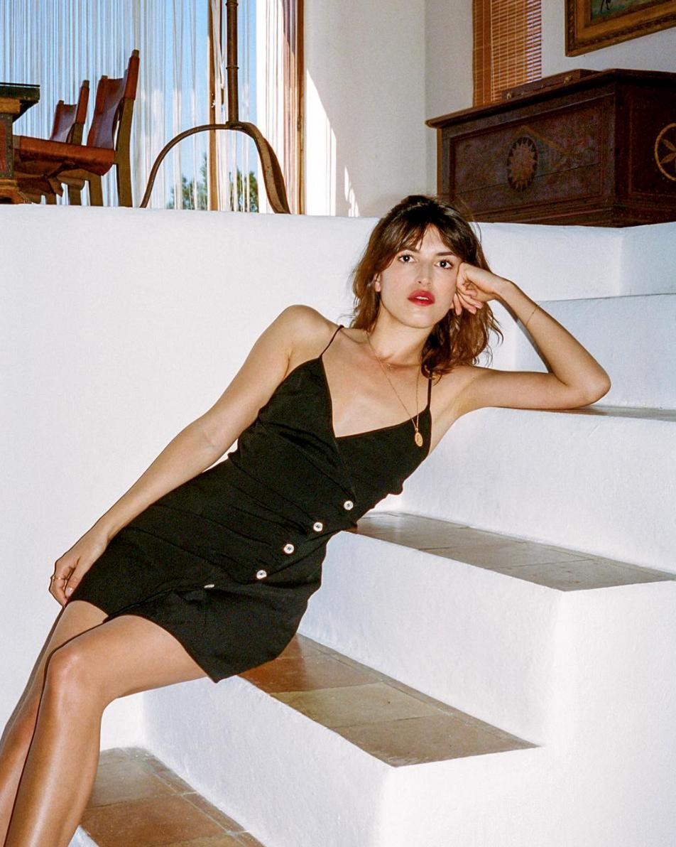 Jeanne Damas - colar com pingente dourado,  similar here