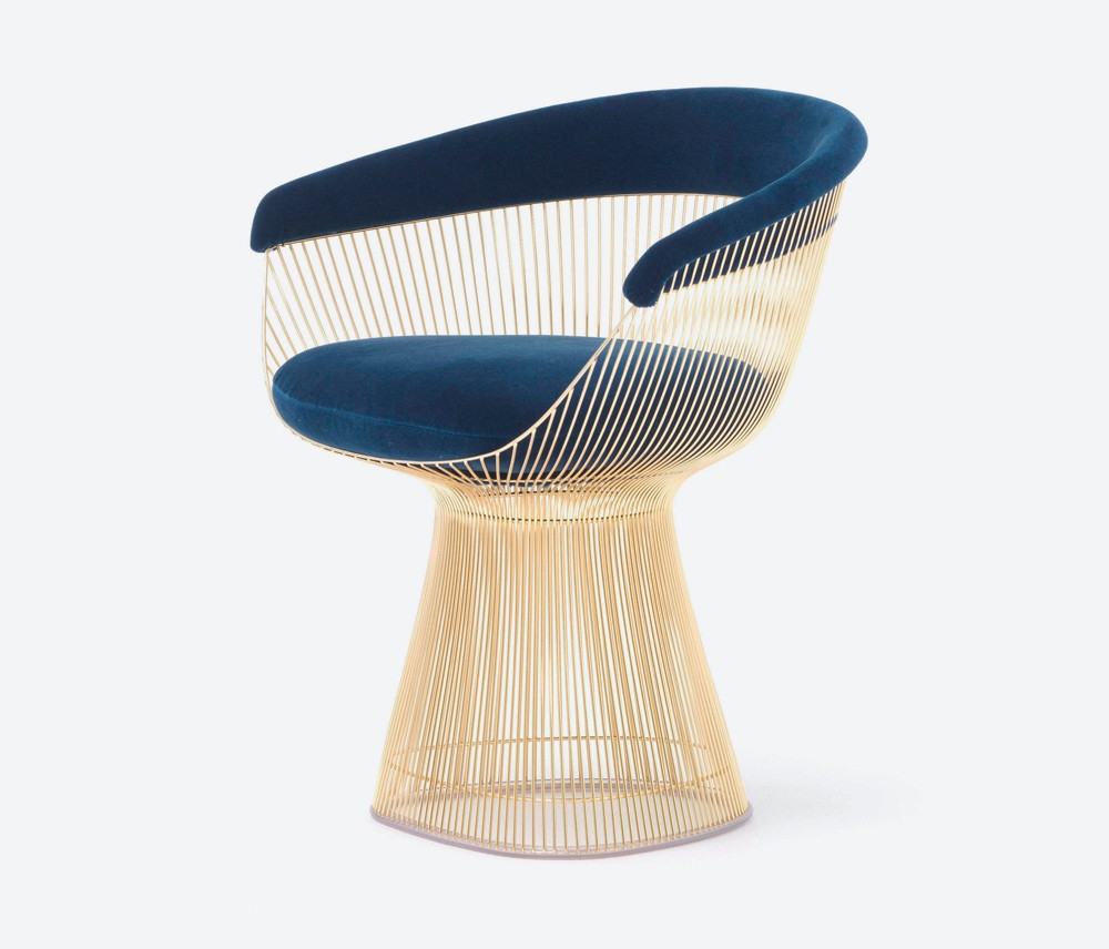 cadeira platner dourada 1000x856 - Um Tour Pela Casa da Danish-Californian Girl Anine Bing