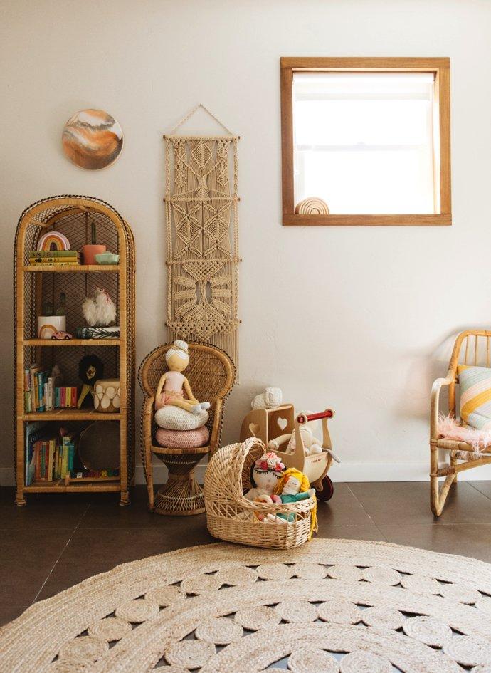 A Peak Inside This Boho Nursery 5 - Wish List: Um Arco-íris de Cerâmica