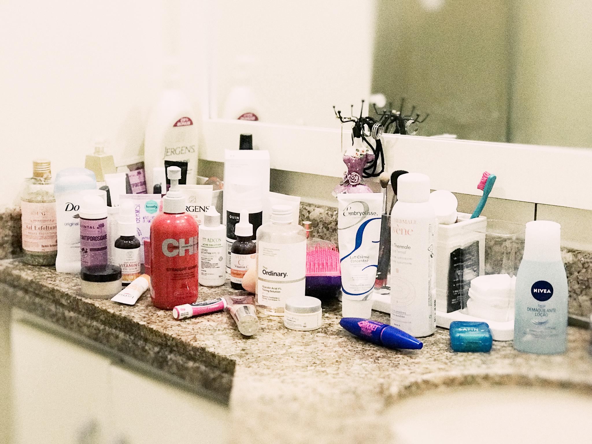 banheiro - #Selfcaresunday A Beauty Routine da Paula Olive, Make Up Artist da Sephora