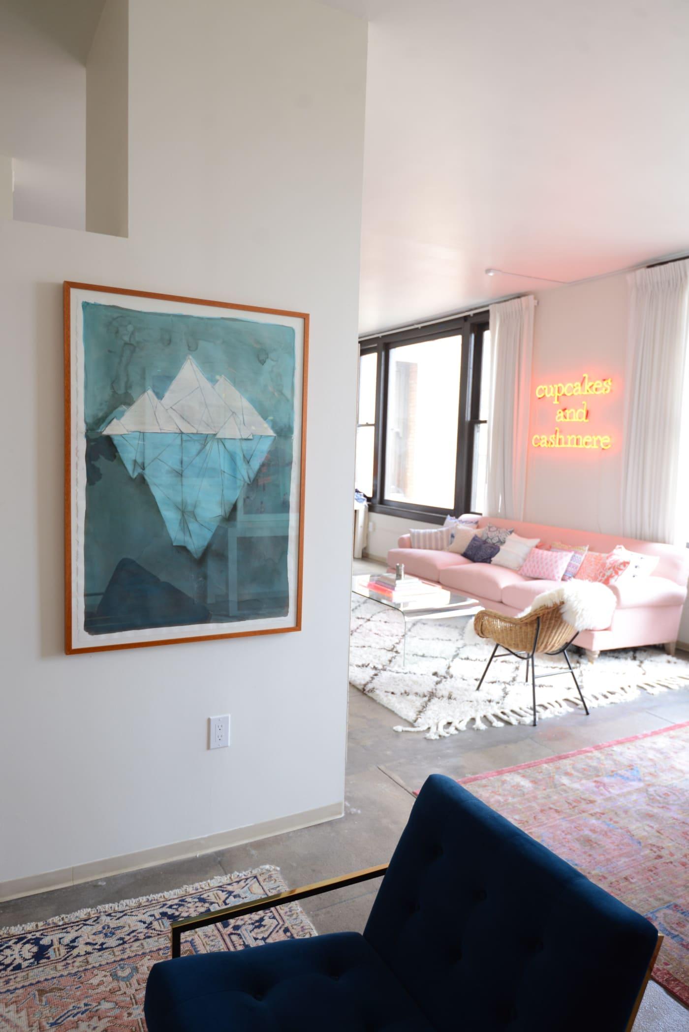 office reveal sketch from deskjpg - O Escritório da Emily Schuman, do Cupcakes & Cashmere