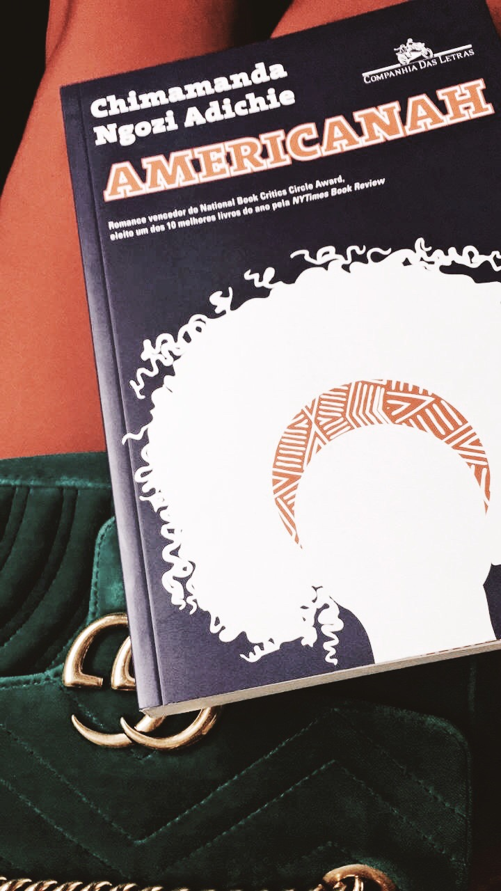 americanah clube do livro lolla sophia - Sobre Chimamanda Adichie, autora da nossa leitura da vez