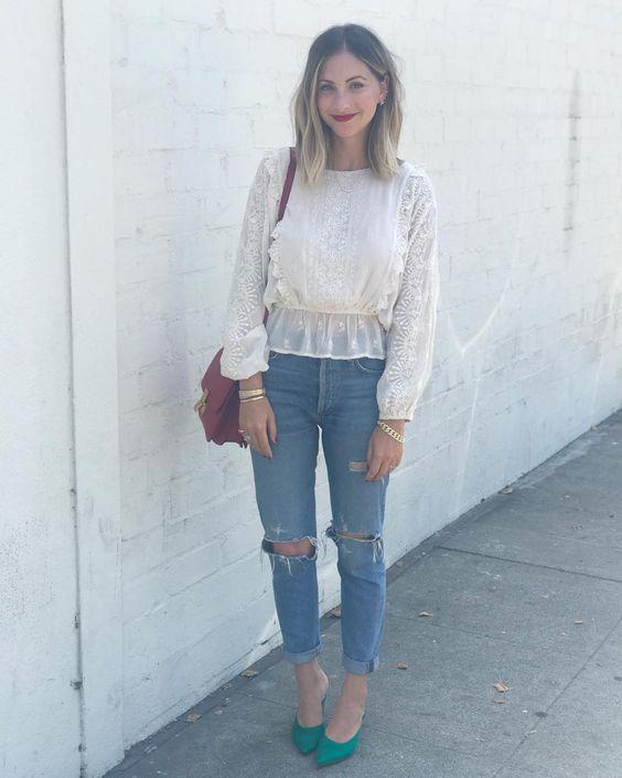 emily schuman 2 - Montando Um Guarda-Roupa Inspirado nas Nossas Girlbosses Favoritas Que Amam Jeans
