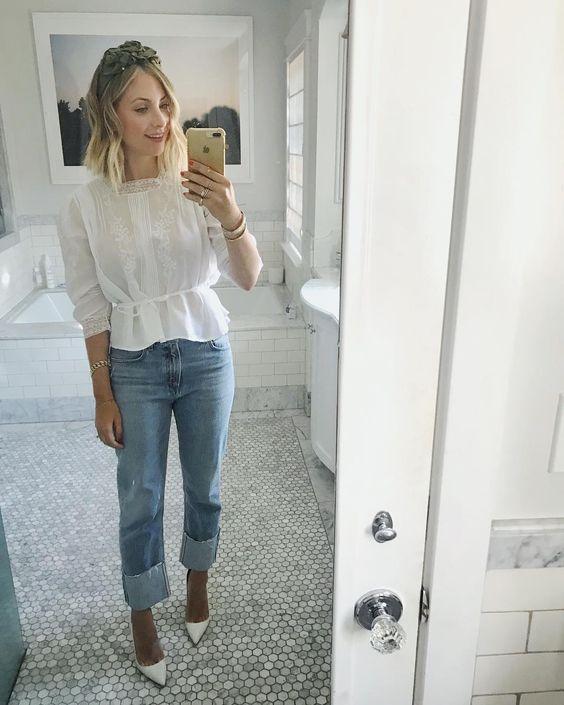 emily schuman 3 - Montando Um Guarda-Roupa Inspirado nas Nossas Girlbosses Favoritas Que Amam Jeans