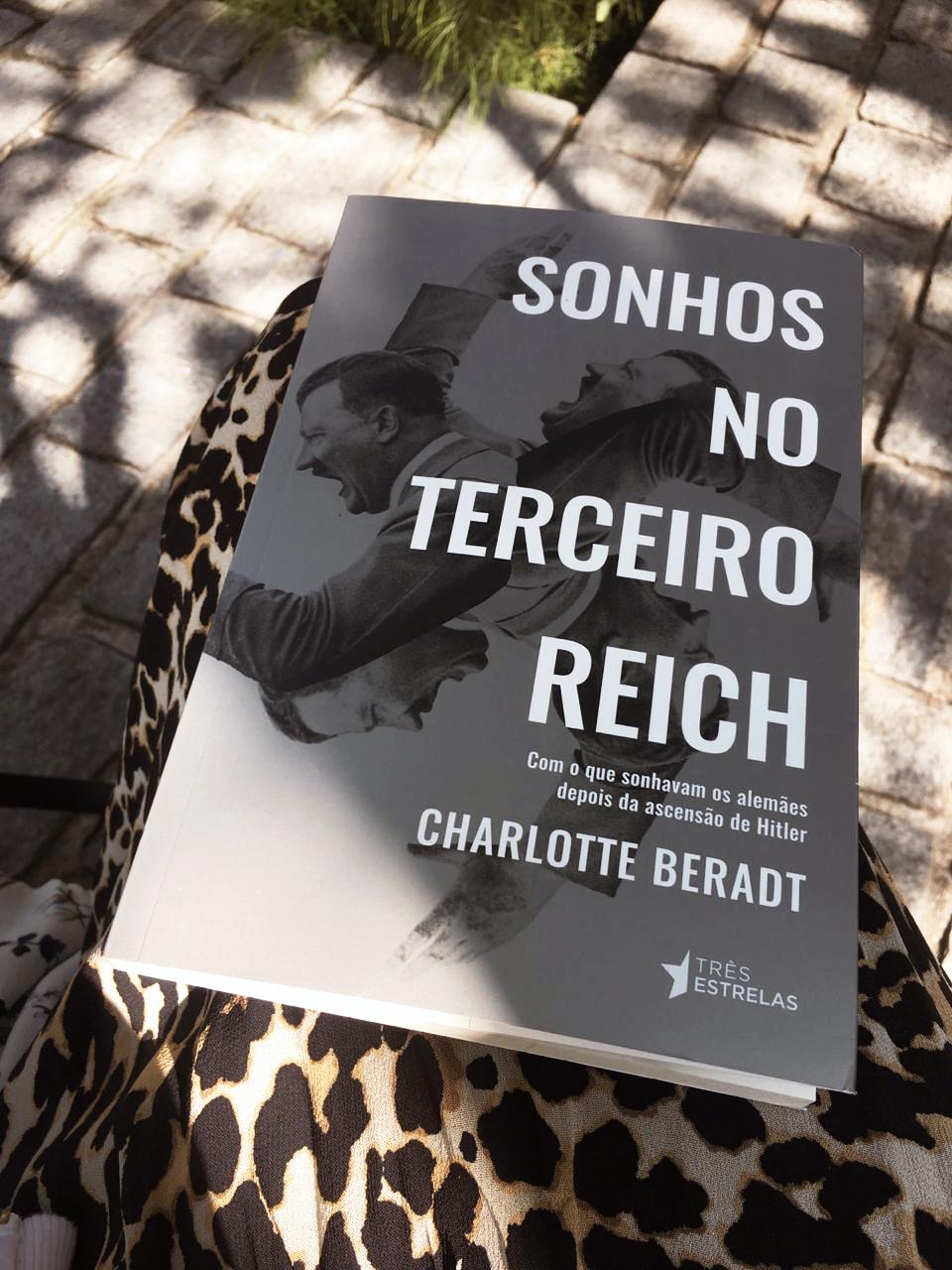 sonhos no terceiro reich lolla - Interview: Rita Mattar, aficionada por livros e Editora do selo Três Estrelas