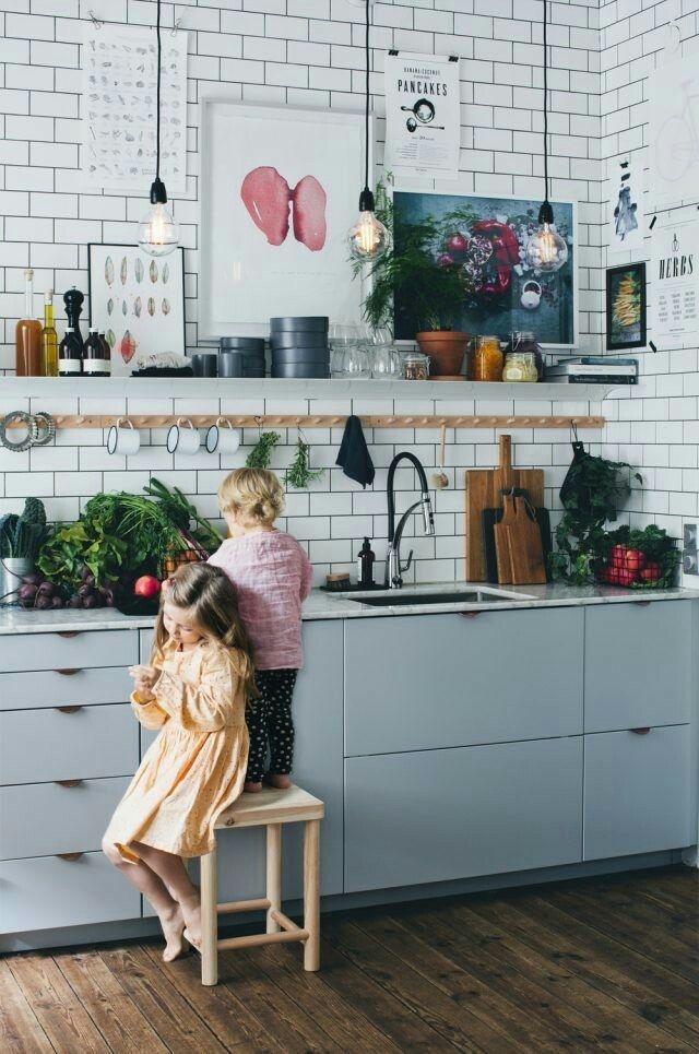 kids cooking - Criando memórias com as crianças na cozinha com panquecas.