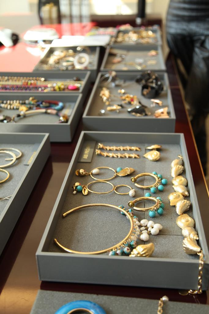 julls lolla joias 3 - O caso incompatível de querer consumir joias.