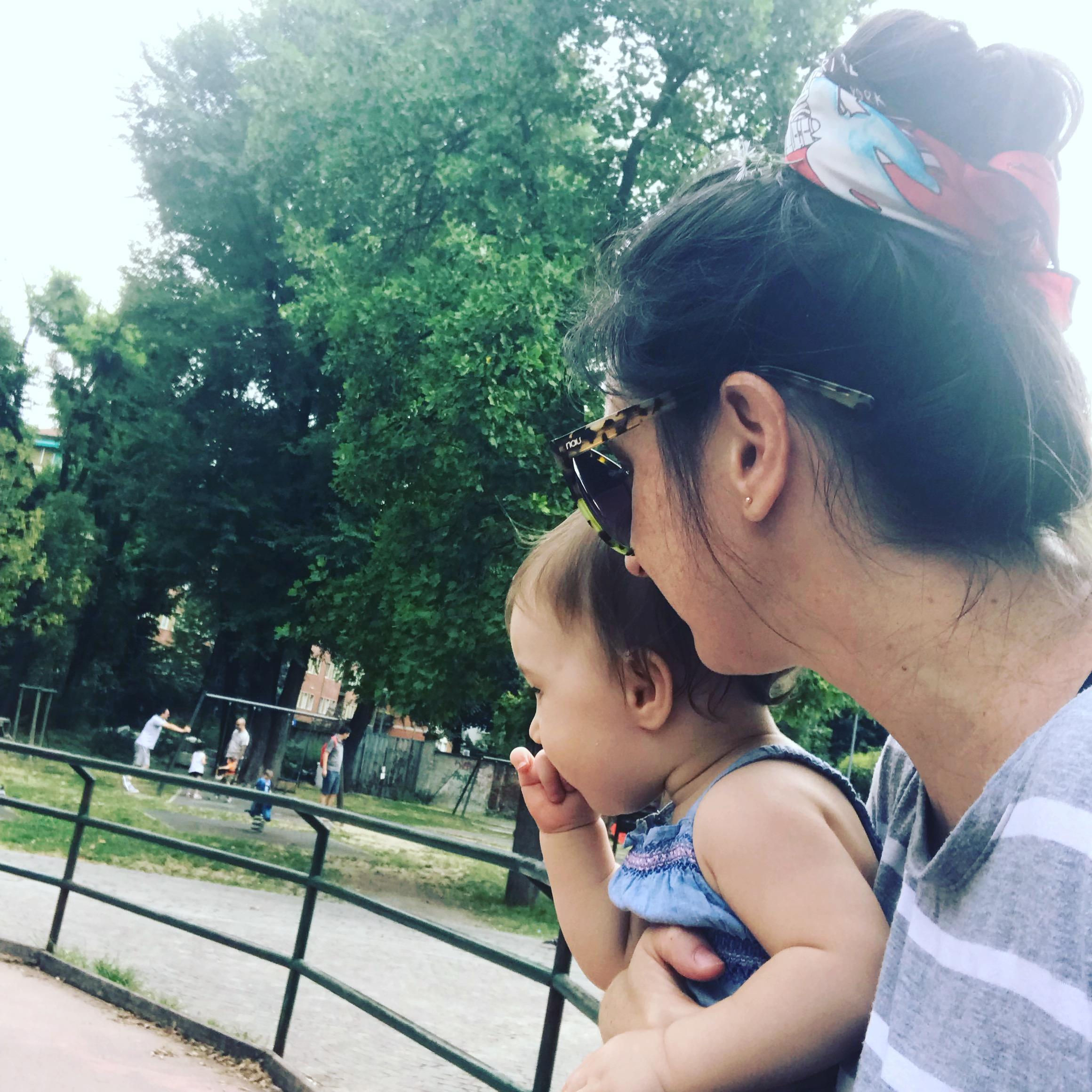 Motherhood Around The Globe - Motherhood Around the Globe: Sobre Criar Filhos na Itália, por Mariana Marchioni