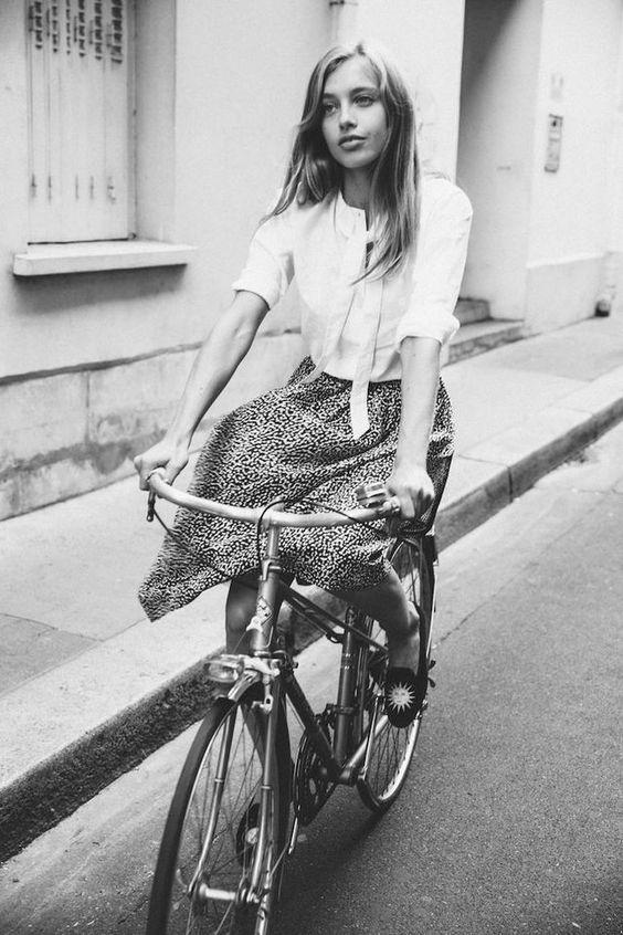 mobilidade saia bicicleta patinete - Você Aproveita as Oportunidades que tem de Mudar a sua Rotina? Como ir de Bicicleta para o Trabalho?
