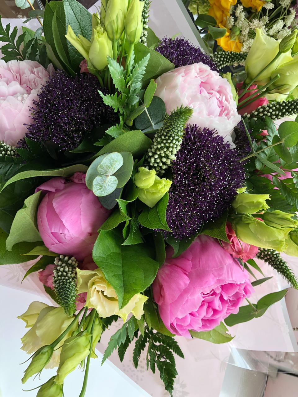 Esse bouquet lindo direto de Londres from Lolla Friends.
