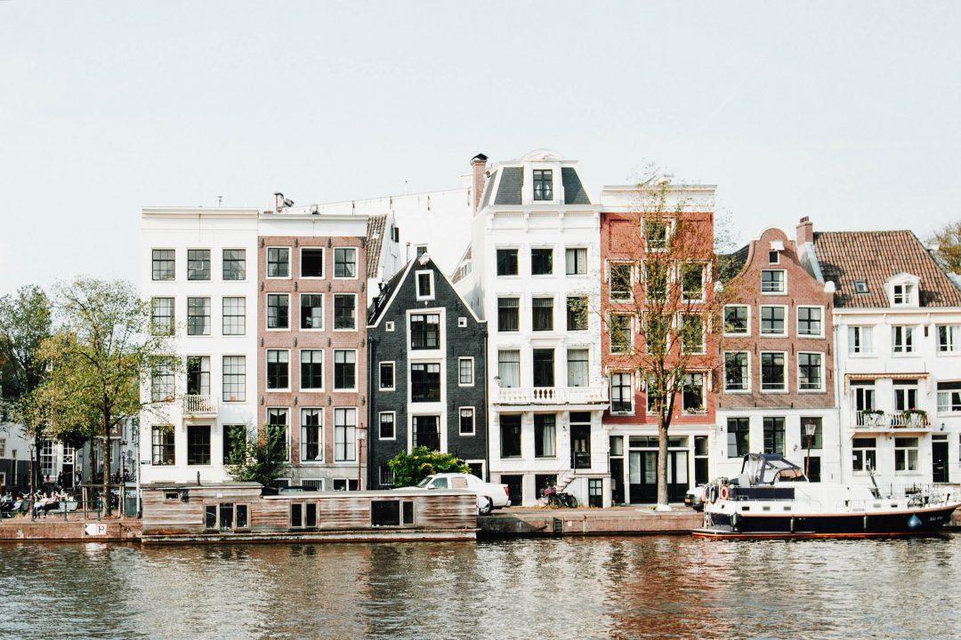 amsterdam header 2 1080x720%402x - Como foi ir Atrás do Amor em Amsterdam