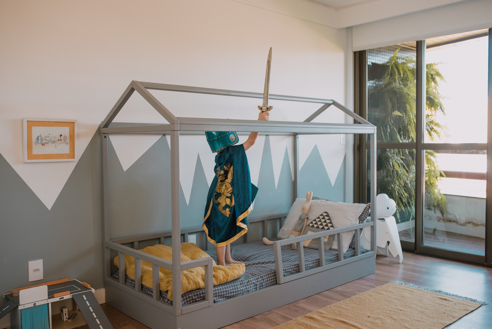 Cama    e a    estante Ameise Design    /  Roupa de cama,  Camomile London /