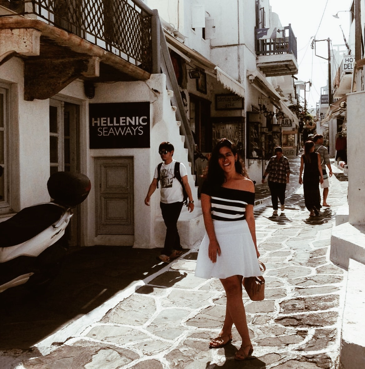 Helena Vilela em Mykonos, na Grécia.
