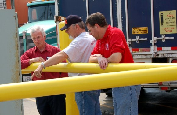 truckers, talking, 3.jpg