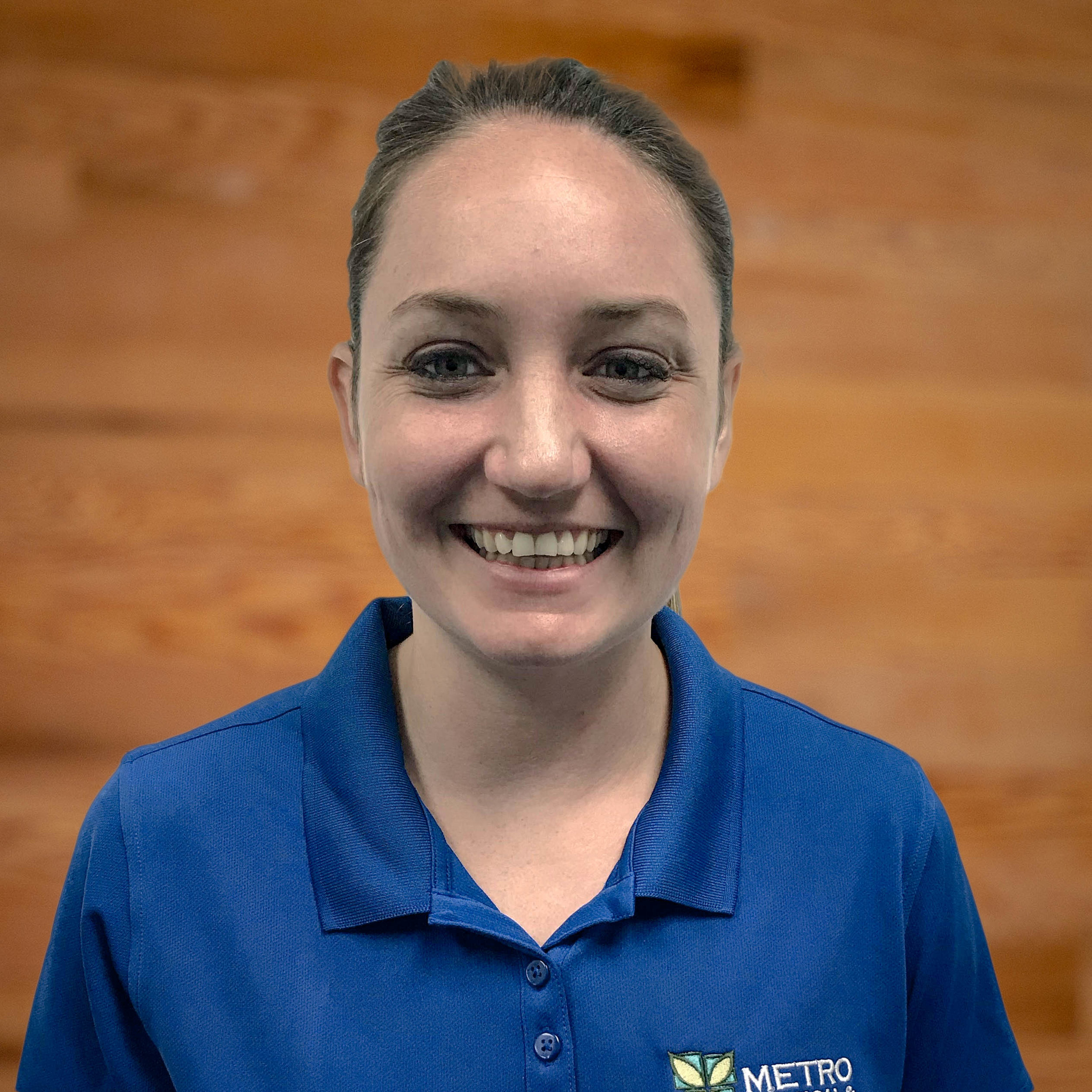 Emily Pape is a Physical Therapist at the Metro Physical Therapy Port Jefferson