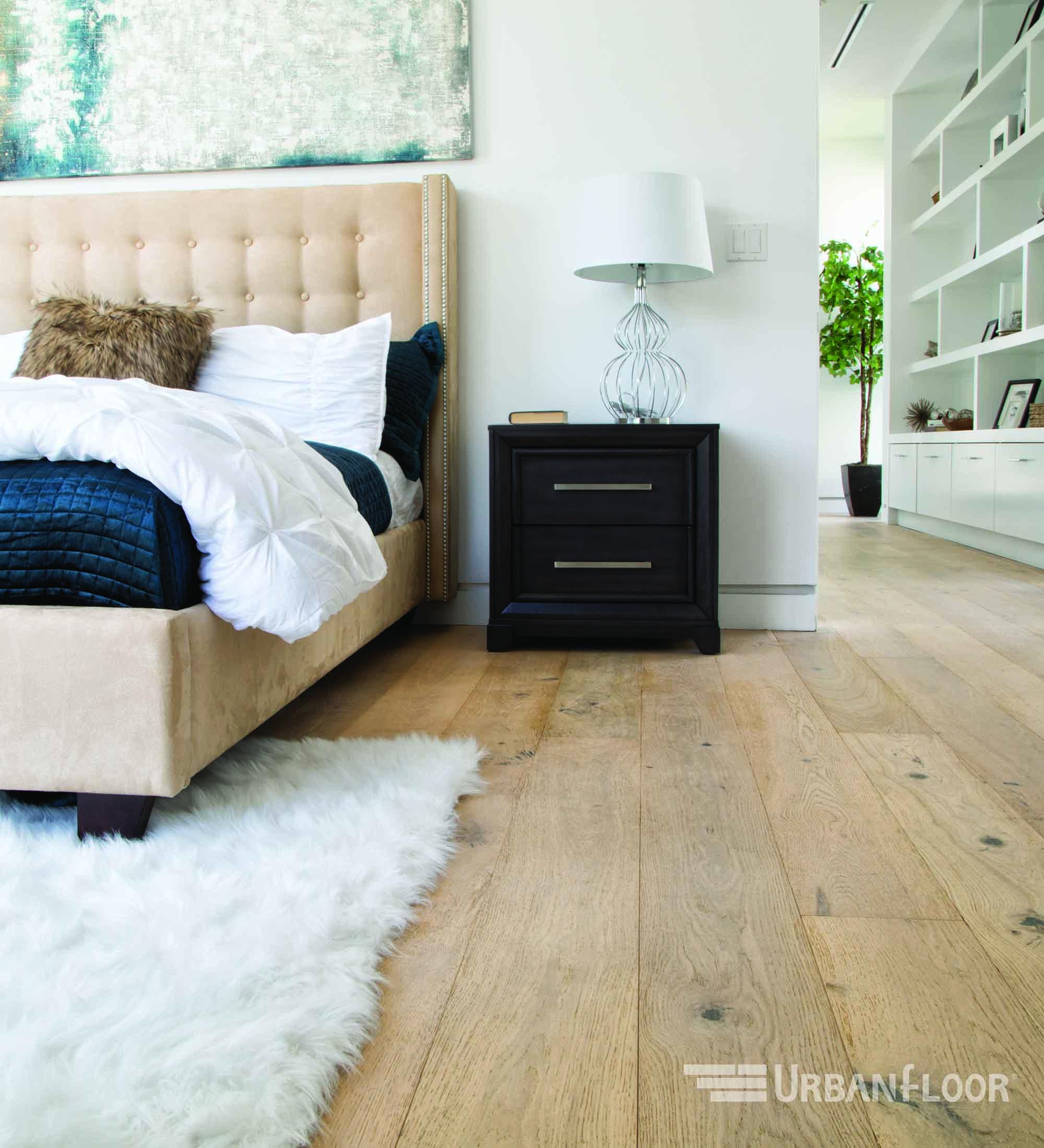 chene lambrusco harwood floor bedroom space.jpg