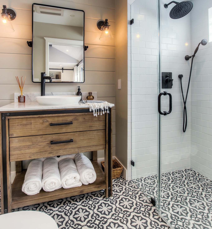 ADgarage_conversion_new_bathroom small.jpg