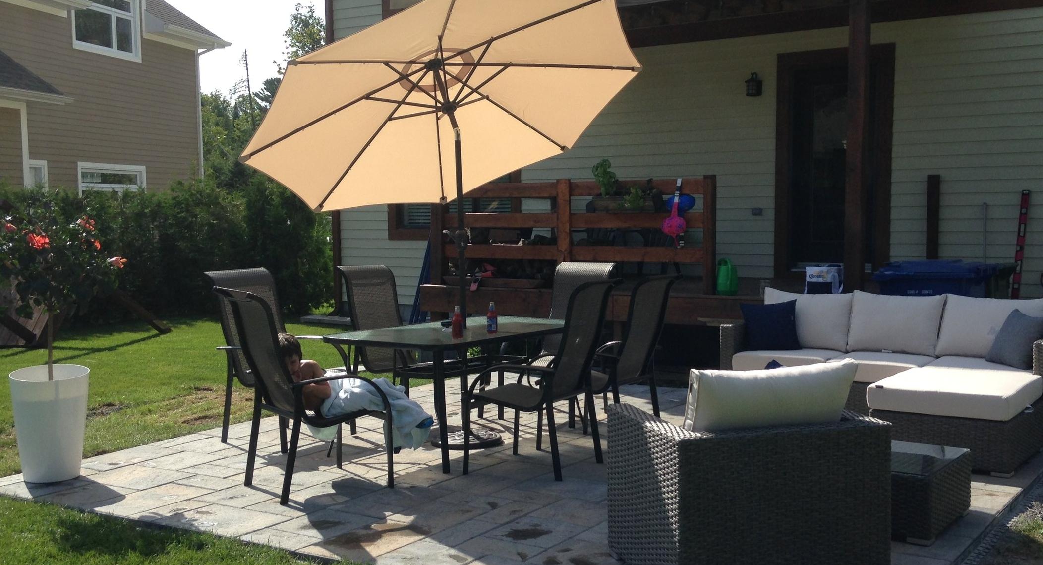 Terrasses et patios - Vous désirez changer votre terrasse ou construire un patio, pour faire plaisir aux petits comme aux grands? MGN Experts s'en chargera avec grand plaisir!