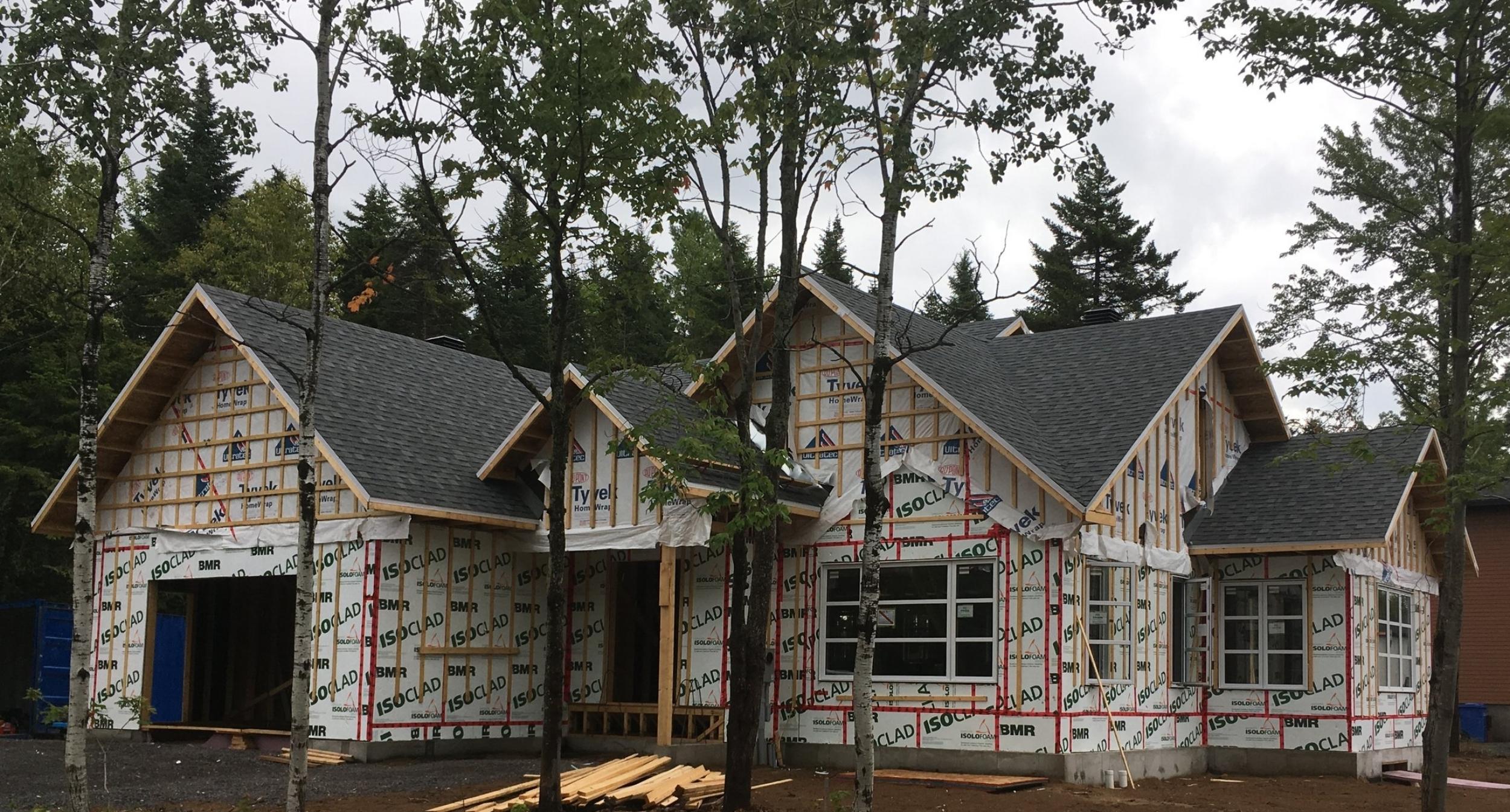 Construction neuve - Aucun chantier n'est à l'épreuve de notre équipe. Pour construire la maison de vos rêves, contactez MGN Experts!