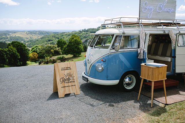 Those rolling hill views at Summergrove Estate. They sure do make Kombi Kartel's blue hues look spectacular 😍 📸 @lyndalcarmichaelphotography  lyndalcarmichael.com.au/