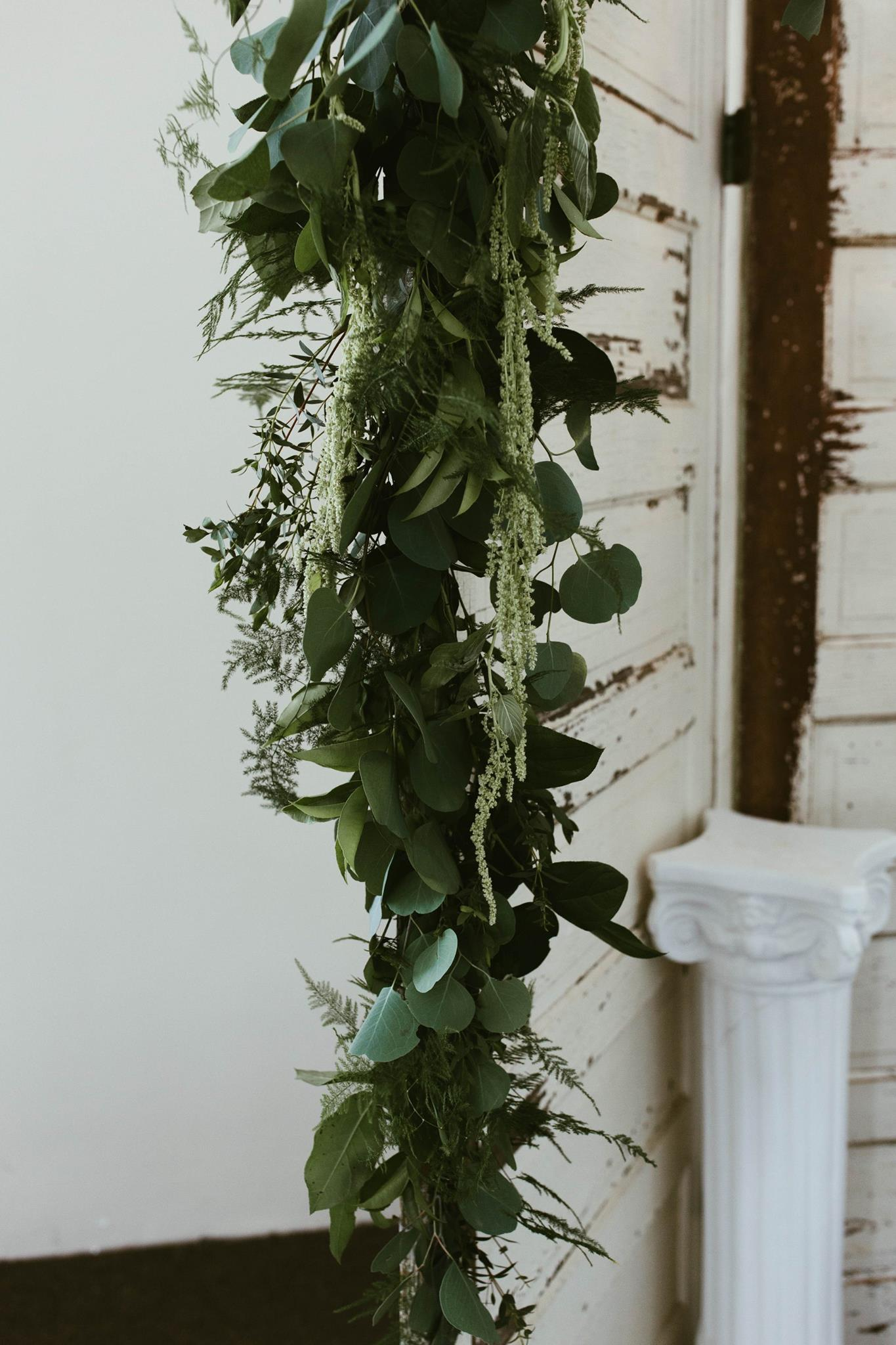 garlands - Our hand tied garlands typically use multiple long-lasting greens. Garlands for homes use dried elements, while garlands for events use fresh flowers.