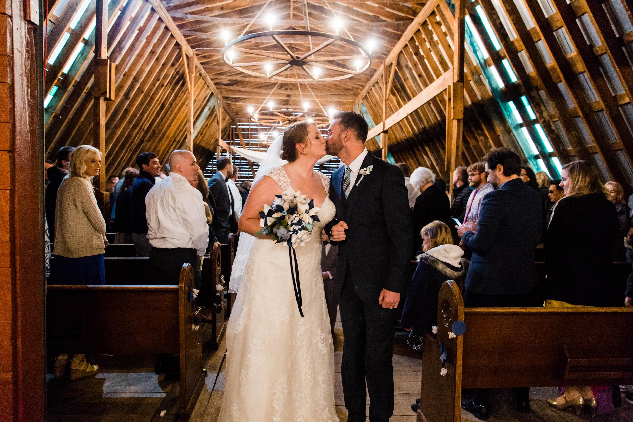 Honeysuckle-Hill-Weddings-Andrew-Rachel-201.jpg