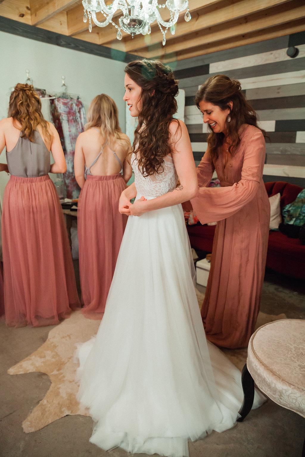 Honeysuckle-Hill-Weddings-Mallory-Patrick-24.jpg