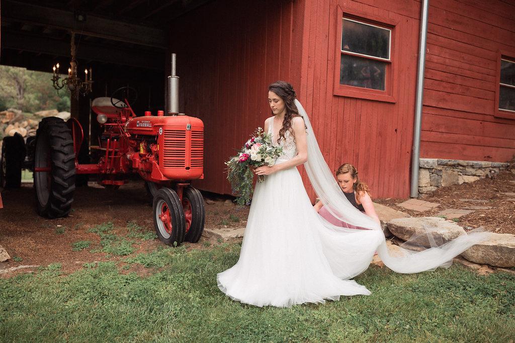 Honeysuckle-Hill-Weddings-Mallory-Patrick-41.jpg