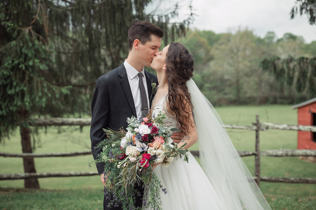 Honeysuckle-Hill-Weddings-Mallory-Patrick-103.jpg