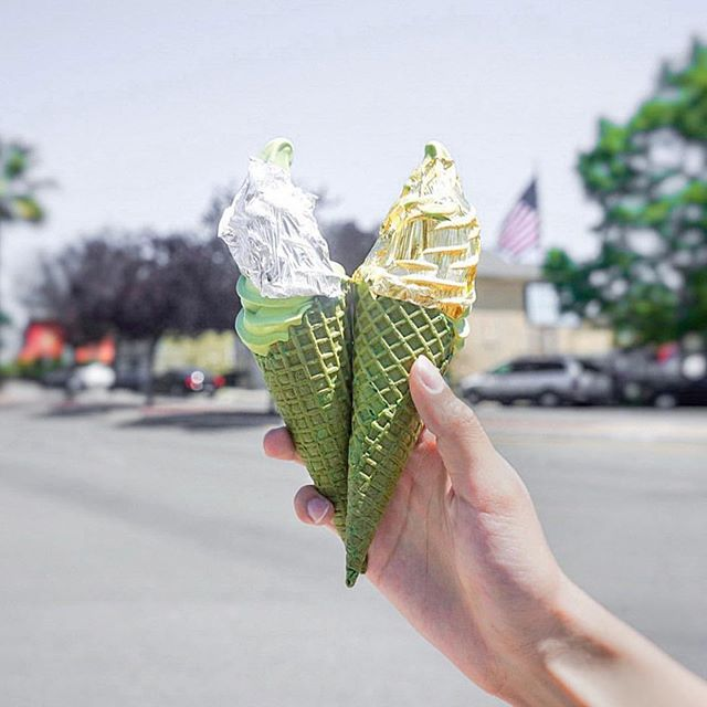 Platinum or 24k gold? Which one would you choose? Find us this weekend at @japanfes & if you're in the west coast, come say hi to us at the @norcalnightmarket 👋🏼✨ pc 📸: @joshwu13
